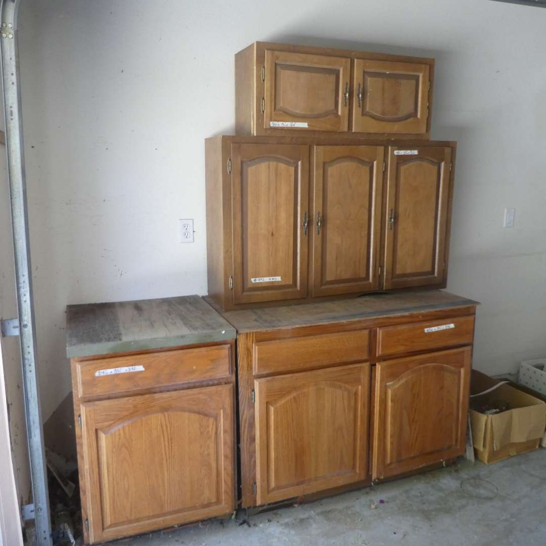 Lot # 492 -Used Cabinets (Were Taken out of Previous Kitchen) (main image)
