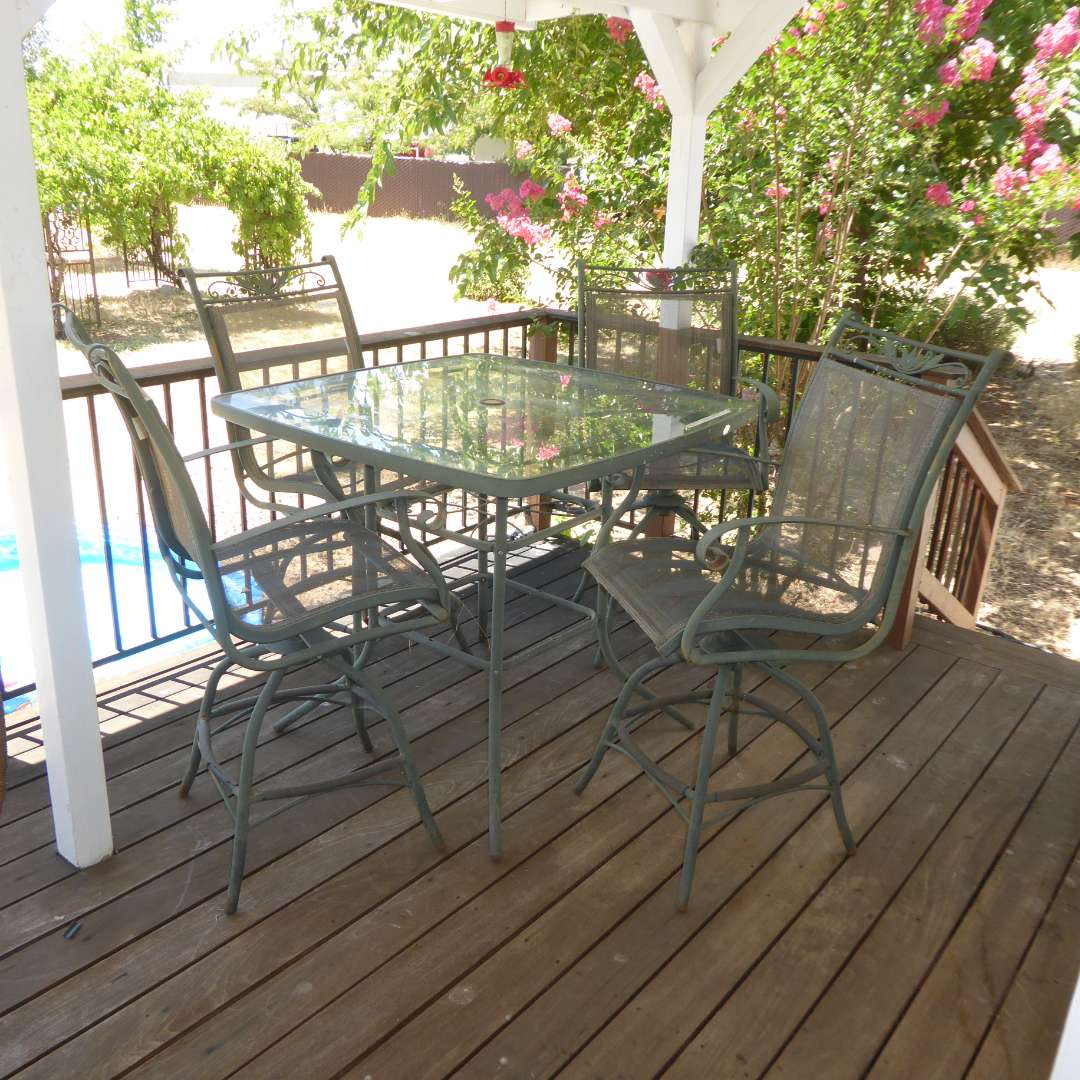 Lot # 21 - Home Trends Patio Furniture Set (Some Sun Damage But Still Solid)  (main image)