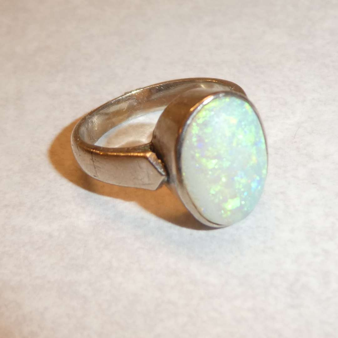 Lot # 66 - 14k Gold Ring w/ Beautiful Fire Opal Stone (See Pics for Size)
