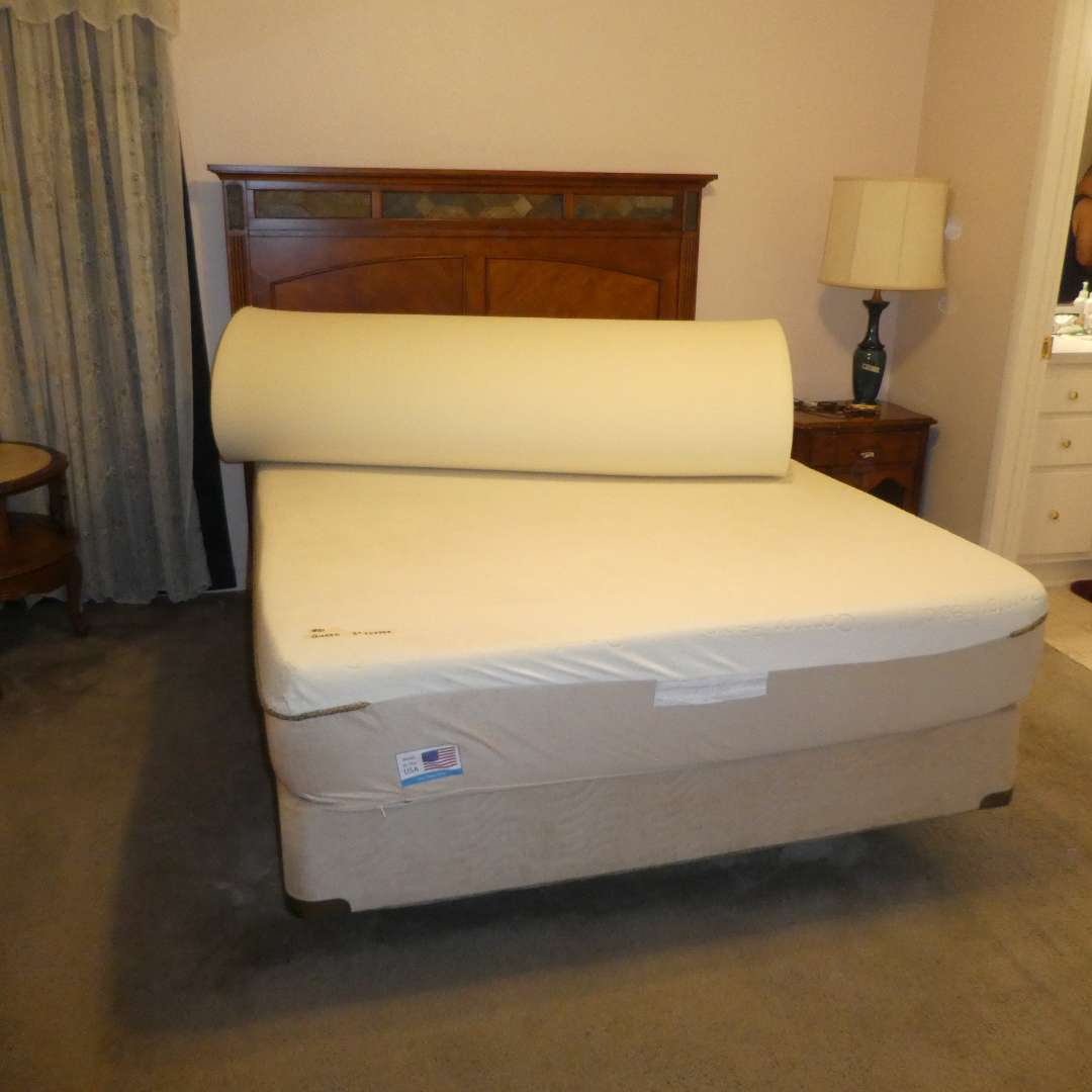 """Lot # 81 - Nice Modern Wood Headboard w/ Queen Size ComforPedic Mattress By Simmons and Box Spring w/ 3"""" Mattress Topper  (main image)"""