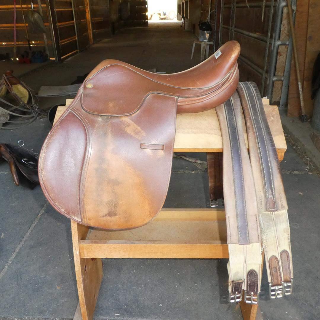 Lot # 50 - Lancers Quality Saddlery English Riding Jumping Saddle Medium Tree