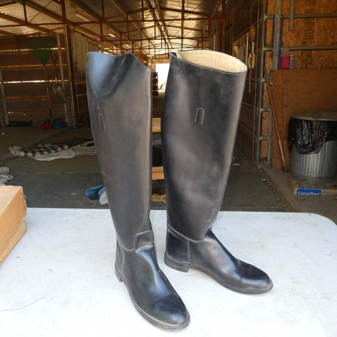 Lot # 67 - Ladies Riding Boots Size 10 (main image)