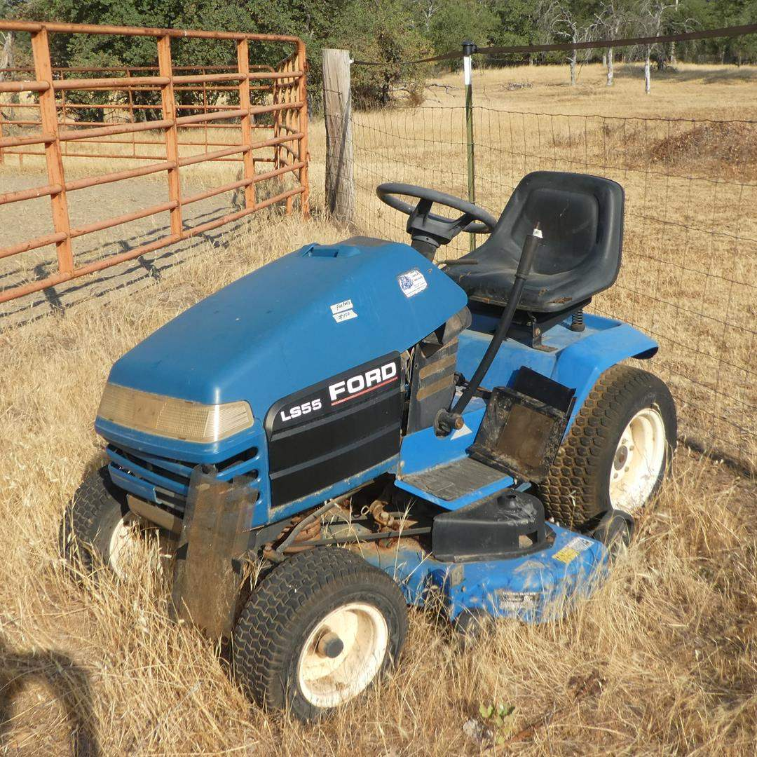 Lot # 100 - LS55 Ford Riding Mower For Parts (main image)