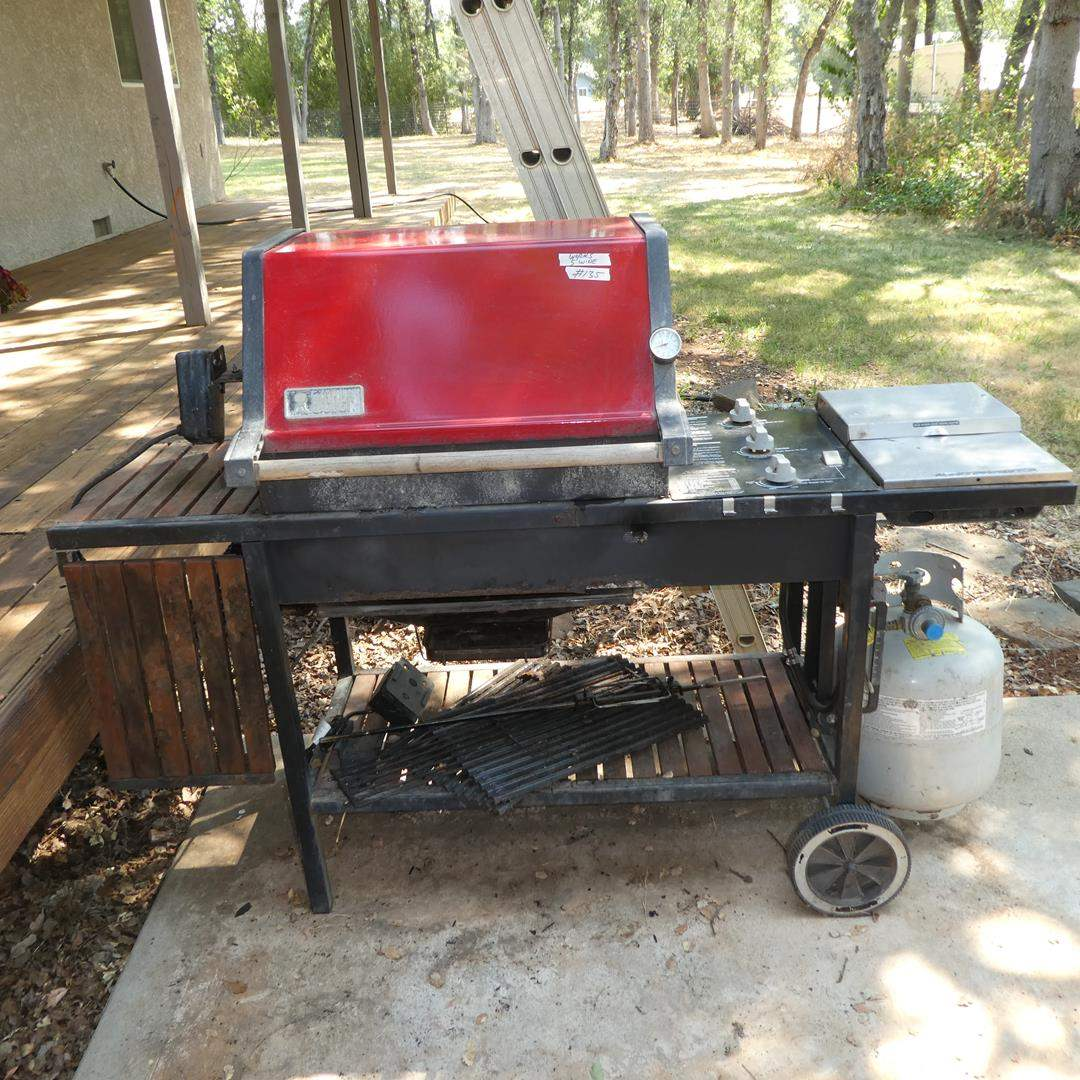 Lot # 135 - Weber Gas Grill - Works