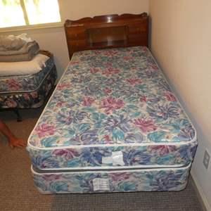 Lot # 255 - Vintage Crawford Furniture Jamestown NY Twin Size Headboard w/Dovetailed Drawers, Medi-Pedic Mattress & Bedding