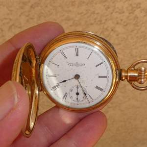 Lot # 289 - Antique Illinois Watch Co. Hunters Case Gold Filled Pocket Watch 15 Jewels - Runs