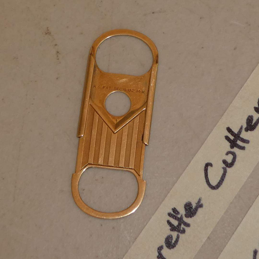 Lot # 290 - Antique 14K Yellow Gold Victorian Cigarette Cutter - 10.3 Grams (main image)