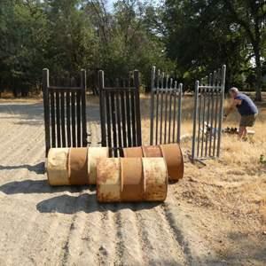 Lot # 126 - 2 Sets of Jump Stands & 3 Barrels