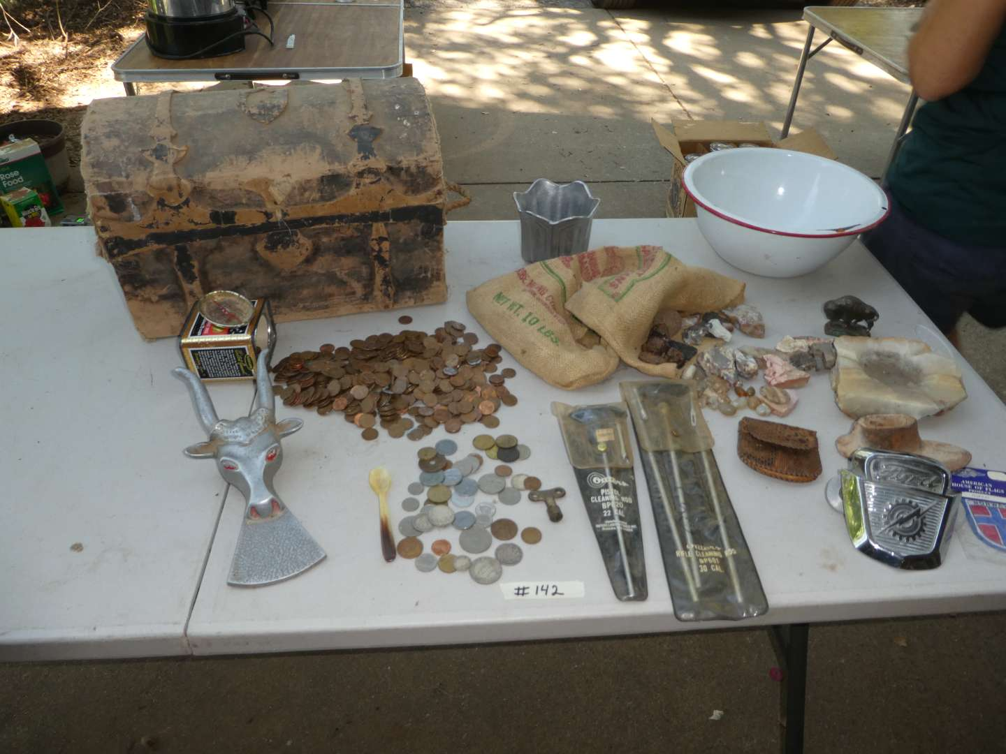 Lot # 142 - Small Old Chest, Un-Searched Pennies, Foreign Coins, Rocks & Collectibles