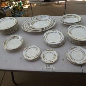 Lot # 148 - 48 Pcs of Meakin China - Nice Platters