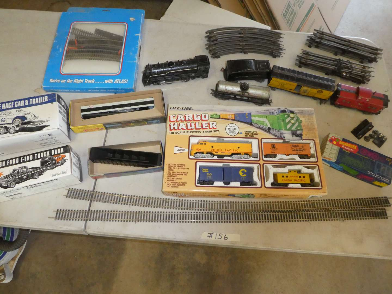 Lot # 156 - Vintage Marx Tin Train Set & Misc Trains (main image)
