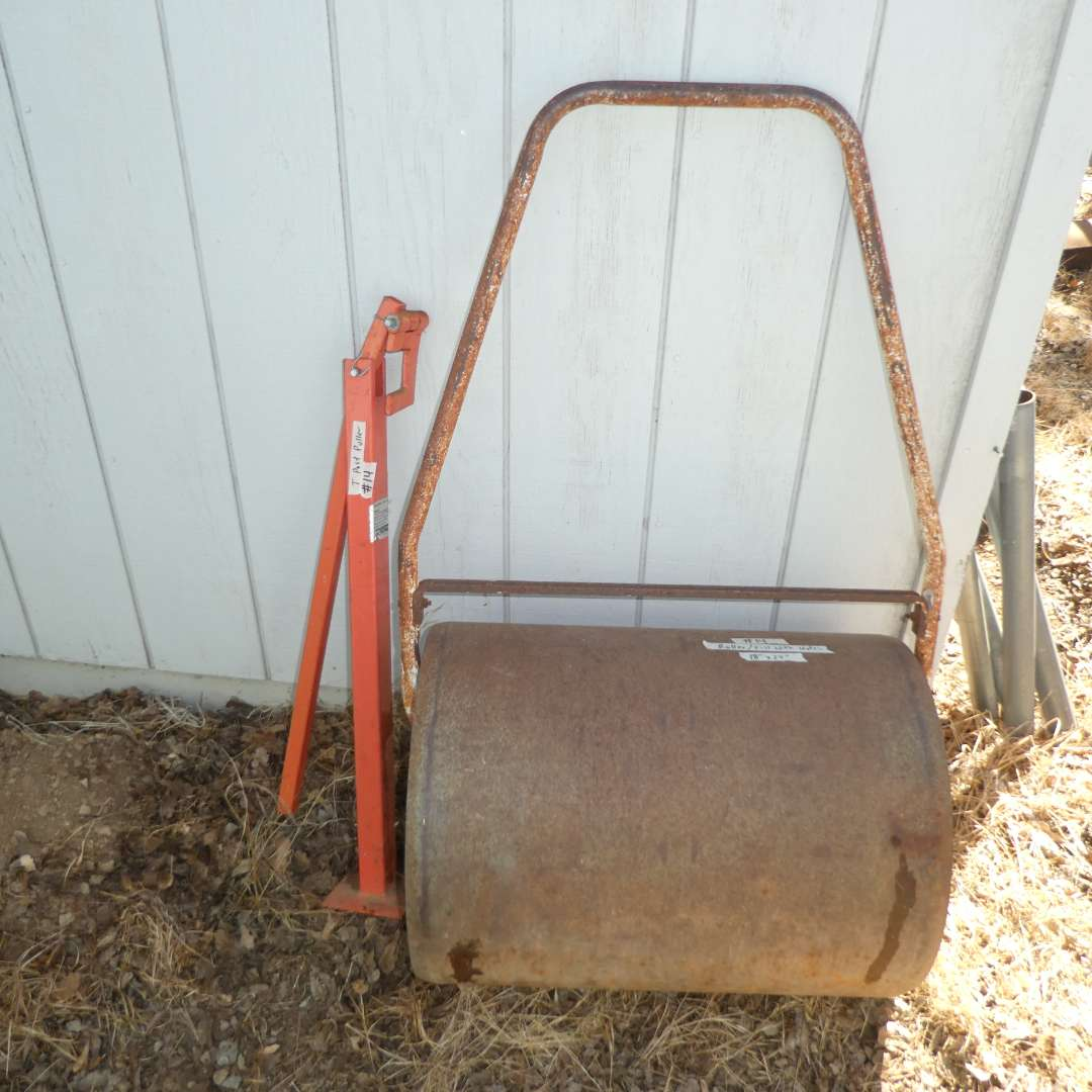 Lot # 14 - Lawn Roller and T-Post Puller (main image)