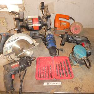 Lot # 30 - Lot Of Power Tools - Grinder, Skill Saw & More