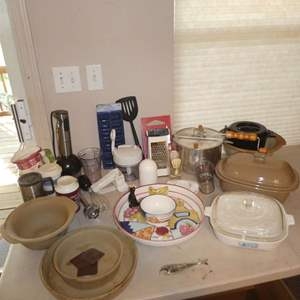 Lot # 219 - Kitchen Lot- Cuisinart Smart Stick w/ Attachments, Pampered Chef Baking Dishes, Serving Platter and More