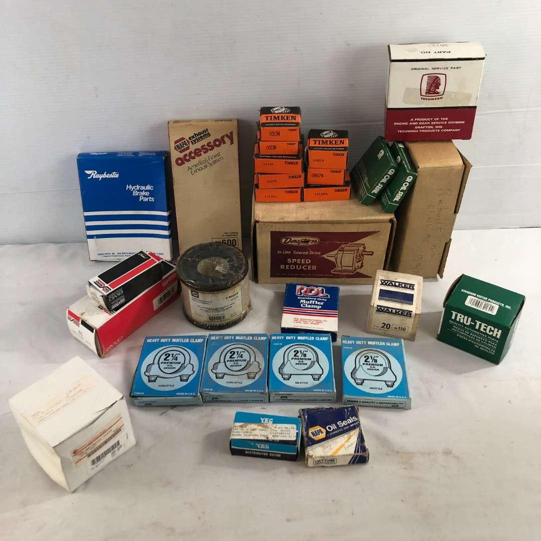 Lot # 37 - Vintage Miscellaneous Auto Parts (main image)
