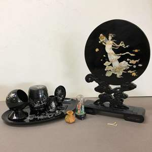 Lot # 81 - Vintage Asian Table Display Piece