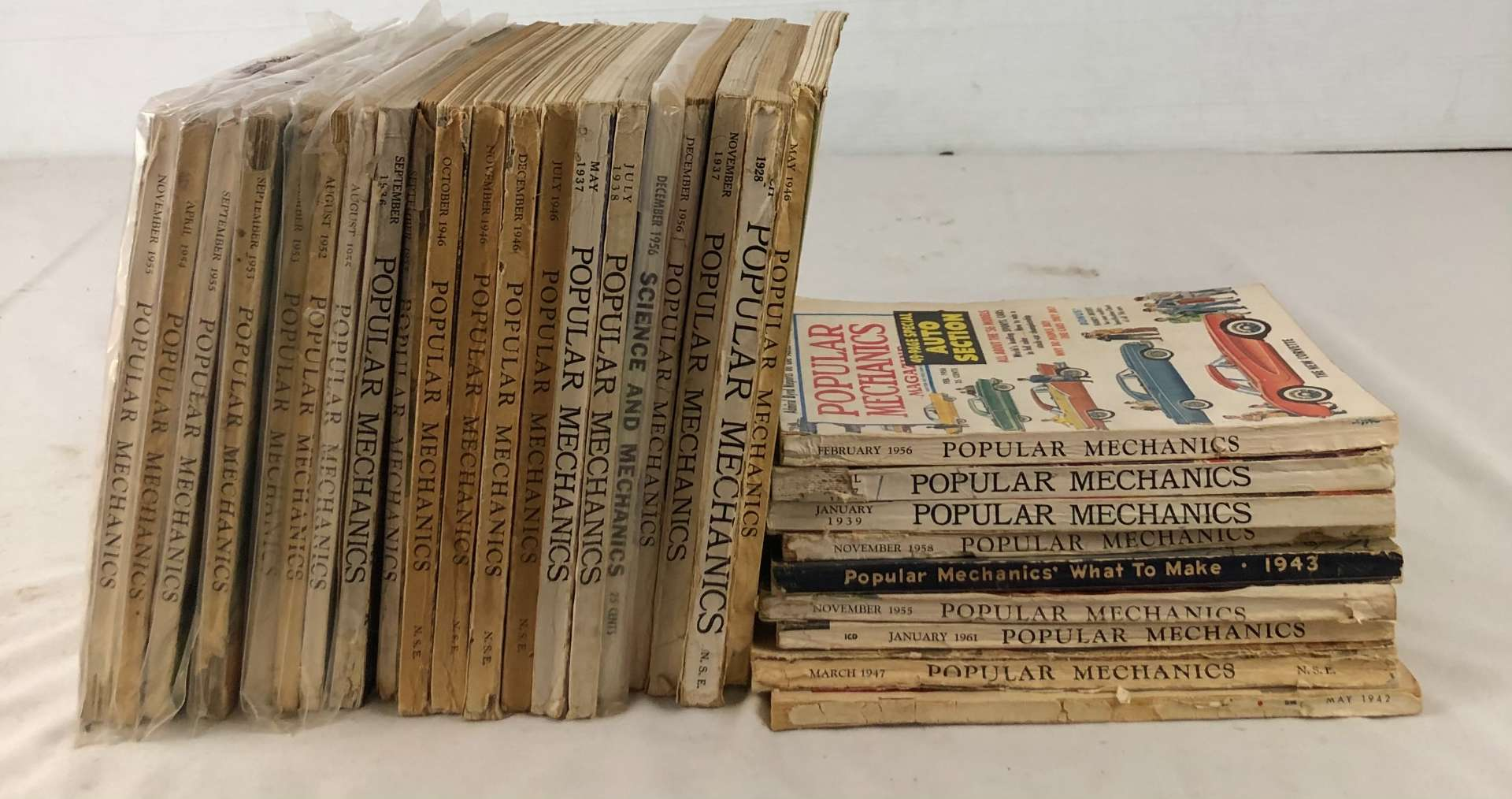 Lot # 147 - Lot of Vintage 1920's, 1930's, 1940's and 1950's Popular Mechanics Magazines (main image)
