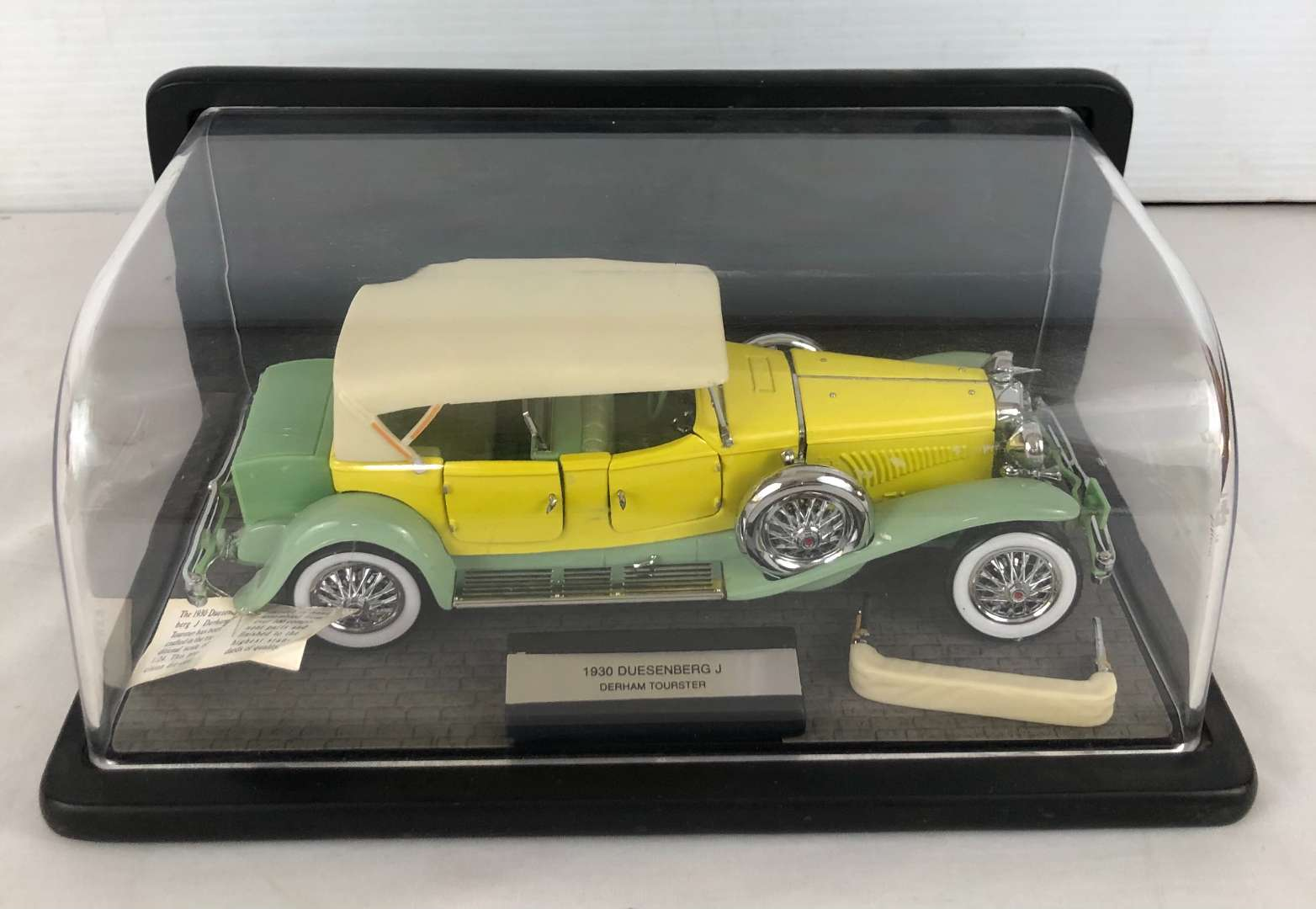 Lot # 152 - 1930 Duesenberg J Derham Tourster 1:24 Scale Model (main image)