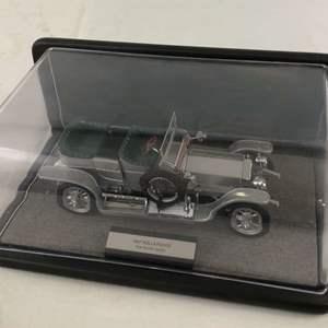 Lot # 153 - 1907 Rolls-Royce Silver Ghost 1:24 Scale Model by Franklin Mint