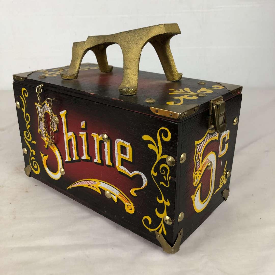 Lot # 158 - Vintage Shoe Shine Box (main image)