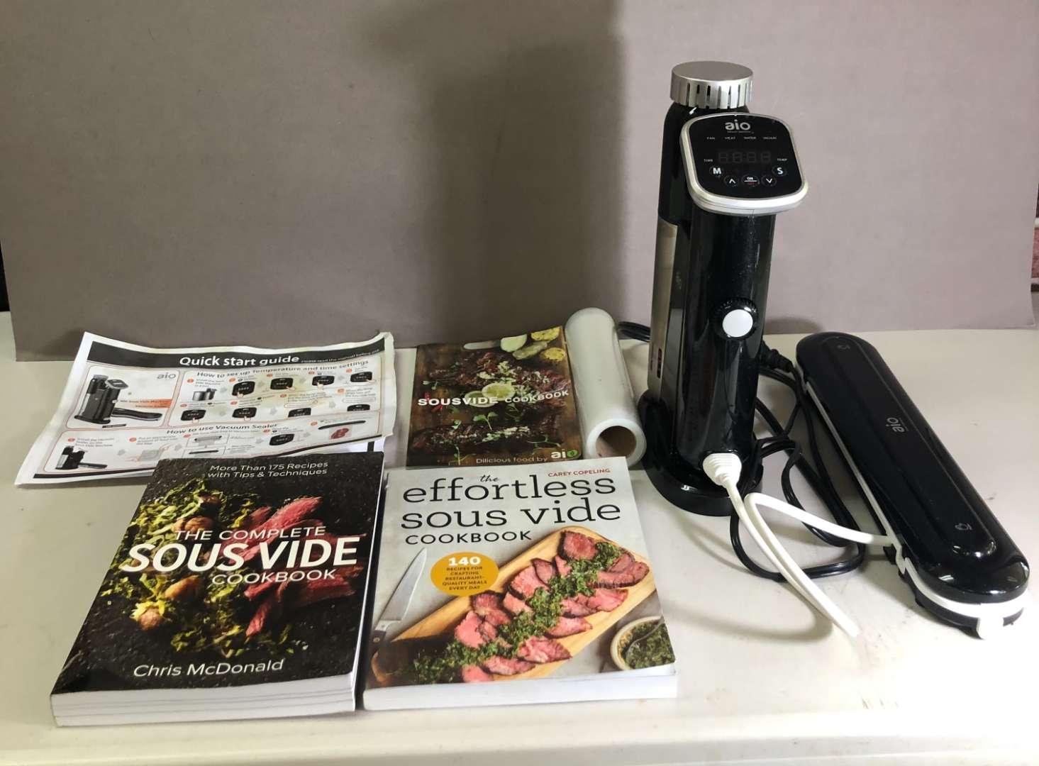 Lot # 167 - Sous Vide Cooking Set with Vacuum Sealer (main image)