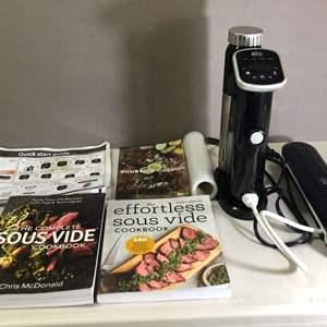 Lot # 167 - Sous Vide Cooking Set with Vacuum Sealer