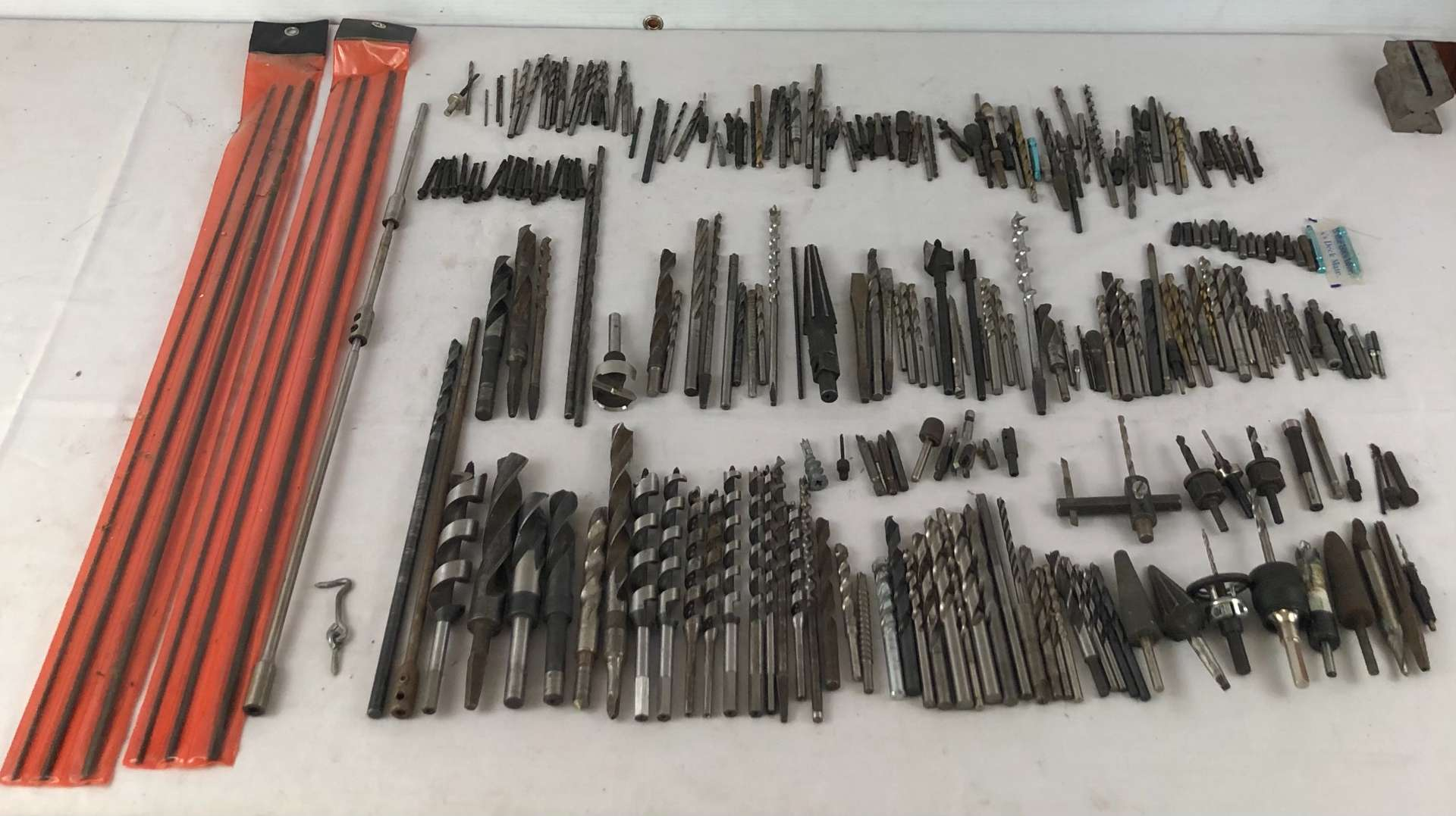Lot # 178 - Large Lot of Drill Bits (main image)