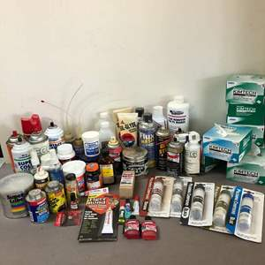 Lot # 201 - Lot of Various Cleaning, Polishing and Cleaning Solutions