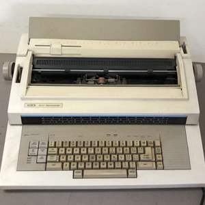 Lot # 272 - Xerox 6010 Memorywriter Electronic Typewriter