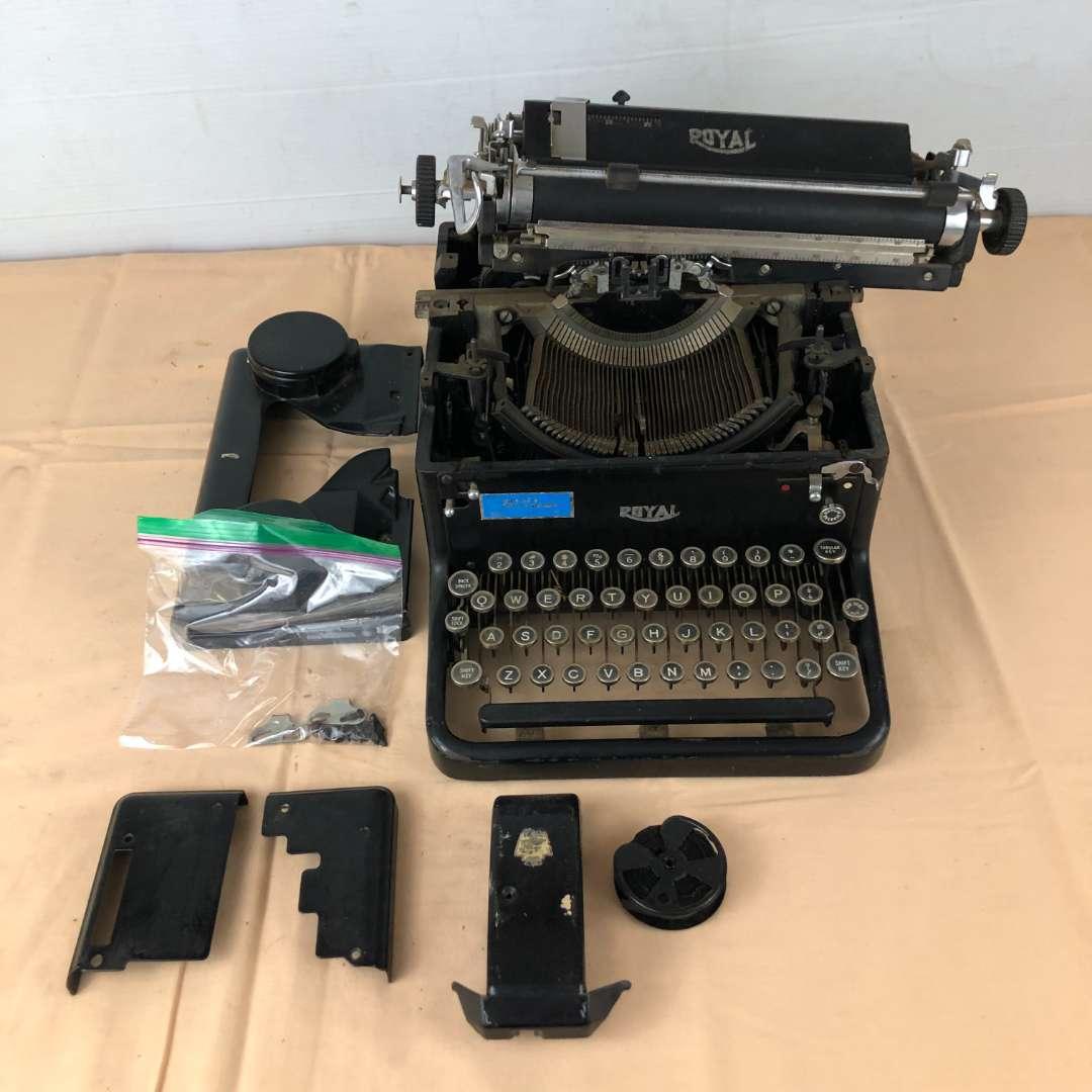 Lot # 275 - Vintage Royal Typewriter (main image)
