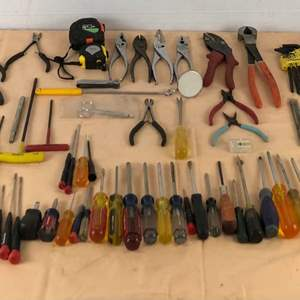 Lot # 285 - Large Lot of Various Tools