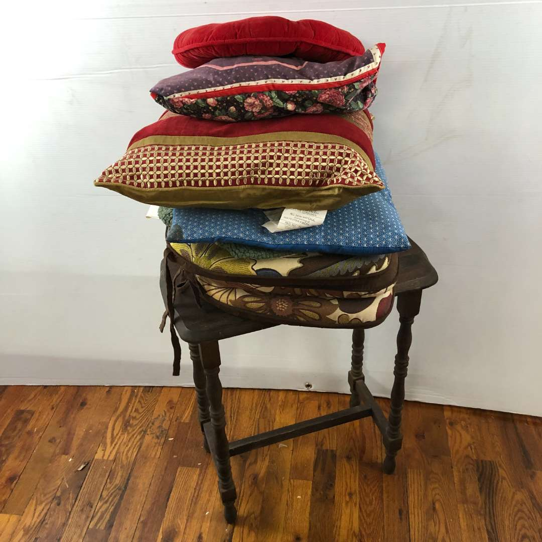 Lot # 287 - Vintage Side Table with Misc Seat Pillows (main image)