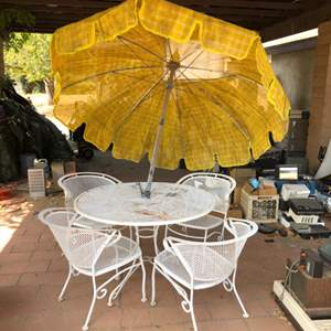 Lot # 87 - Vintage Metal Table and Chairs Patio Set