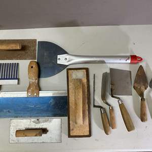 Lot # 110 - Lot of concrete and stucco tools