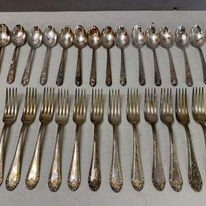 Lot # 131 - Set of WM Rogers Silverware including Silver plated Presidential Spoon Set