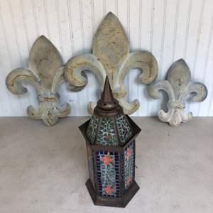Lot # 189 - Outdoor Garden Lantern & 3 Metal Fleur De Lis Hangings