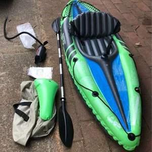 Lot # 202 - Kayak Inflatable Intex Challenger K1