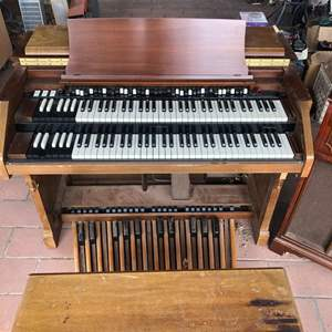 Lot # 223 - Hammond Organ with Penny Owsley Speaker