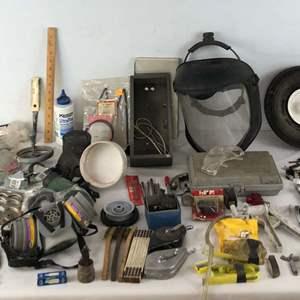 Lot # 225 - Lot of Tools