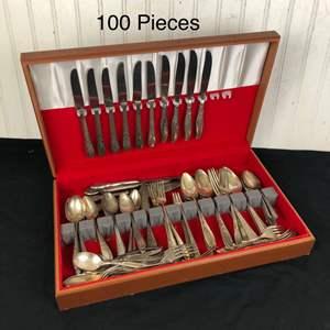 Lot # 299 - Vintage Silverware in Wood Case
