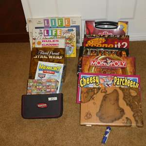 Lot # 61 - Family Board Games & Puzzle