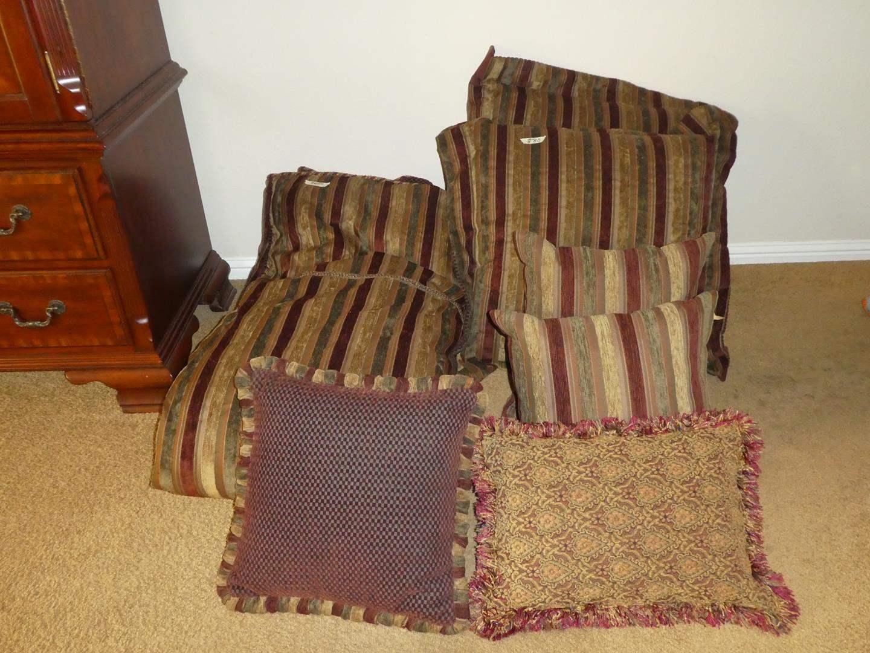 Lot # 80 - Luxurious Queen Size Newport Duvet Cover, Pillow Shams & Throw Pillows (main image)