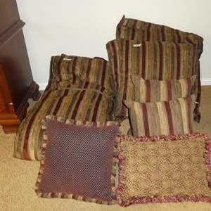 Lot # 80 - Luxurious Queen Size Newport Duvet Cover, Pillow Shams & Throw Pillows