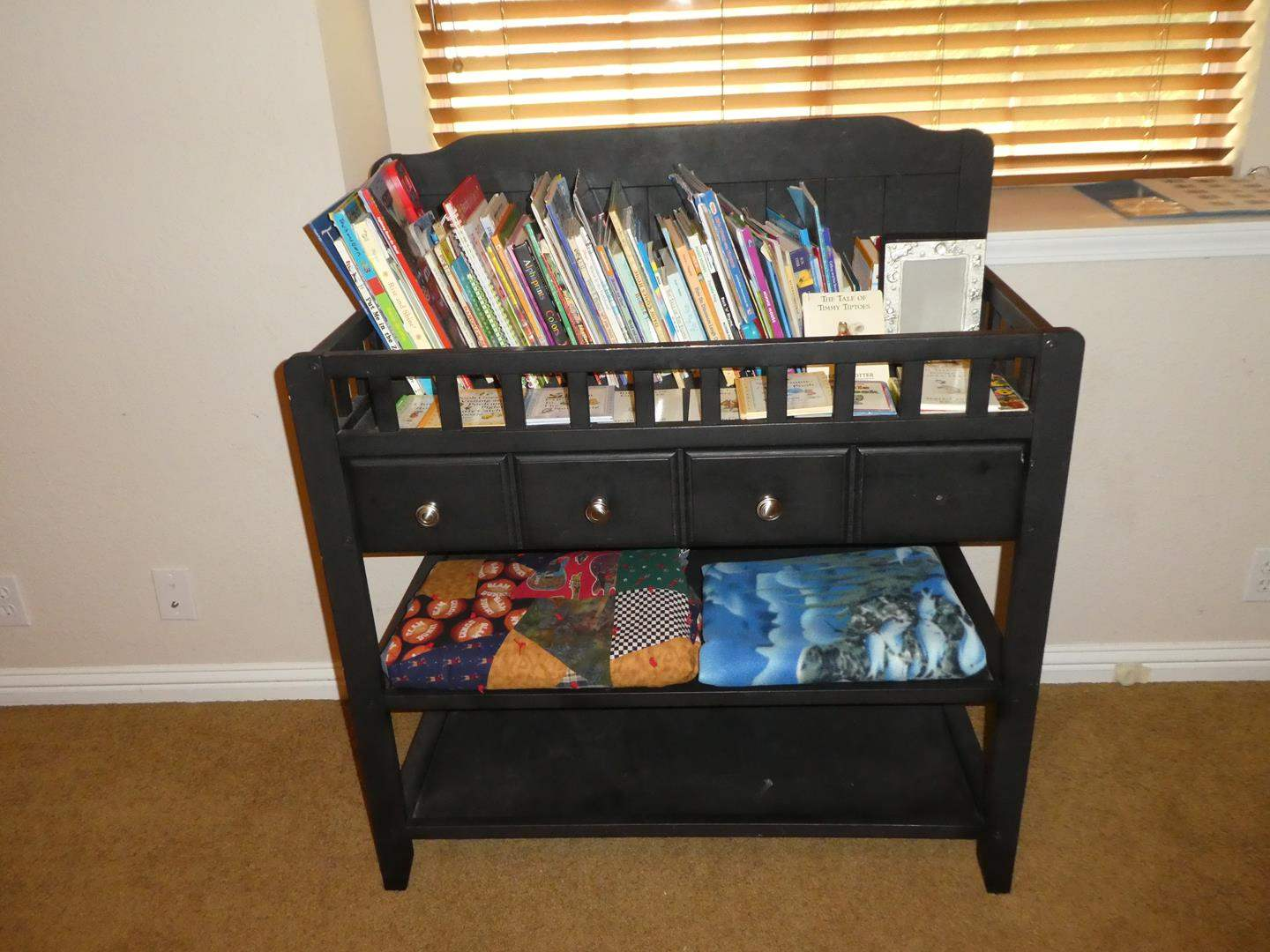 Lot # 82 - Fun Children's Books, Infant Wooden Changing Table w/Drawer & Two Throws (main image)
