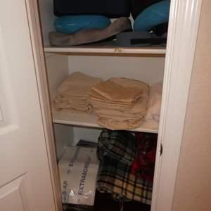 Lot # 86 - Assorted Neck Pillows, Queen Size Sheet Set, Electric Blanket & Throw