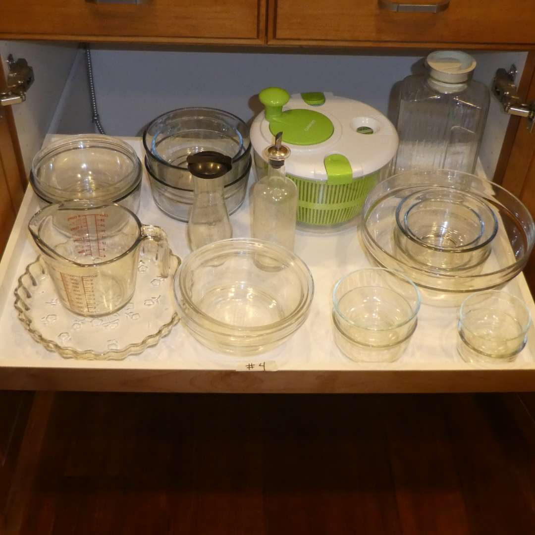 Lot # 4 - Pyrex & Anchor Hocking Glass Bowls w/ Salad Spinner  (main image)