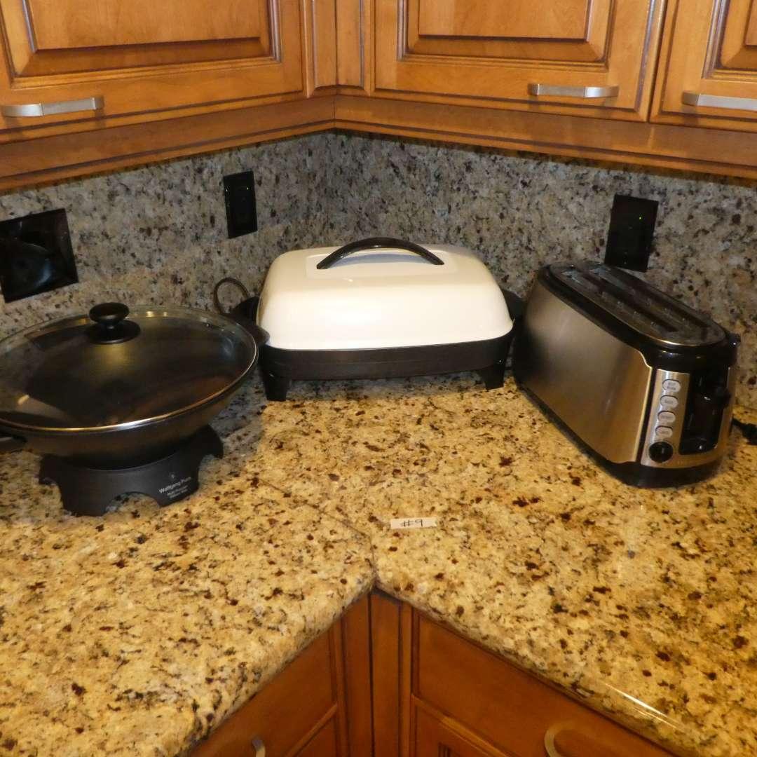 Lot # 9 - Hamilton Beach Toaster, Wolfgang Puck Electric Wok & Presto Electric Skillet w/ Lid (main image)