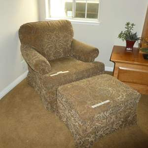 Lot # 20 -  High Quality Accent Chair w/ Ottoman (In Great Condition)