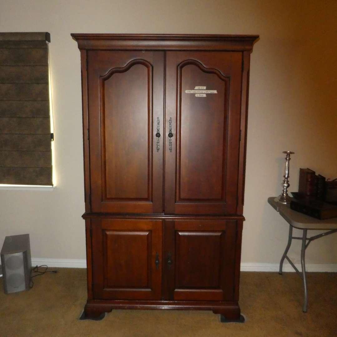 Lot # 21 - High Quality Aspen Furniture Computer/ Desk Armoire (main image)