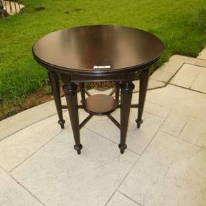 Lot # 18 - Stanley Furniture Co. Round Lamp Table